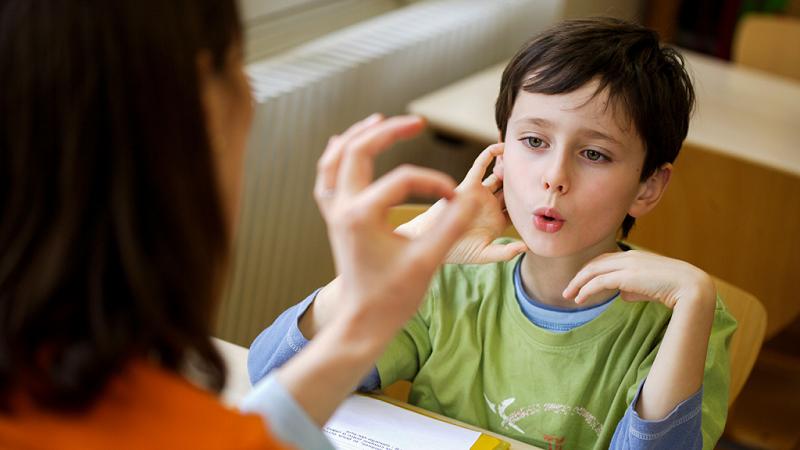 خدمات مشاوره گفتار درمانی