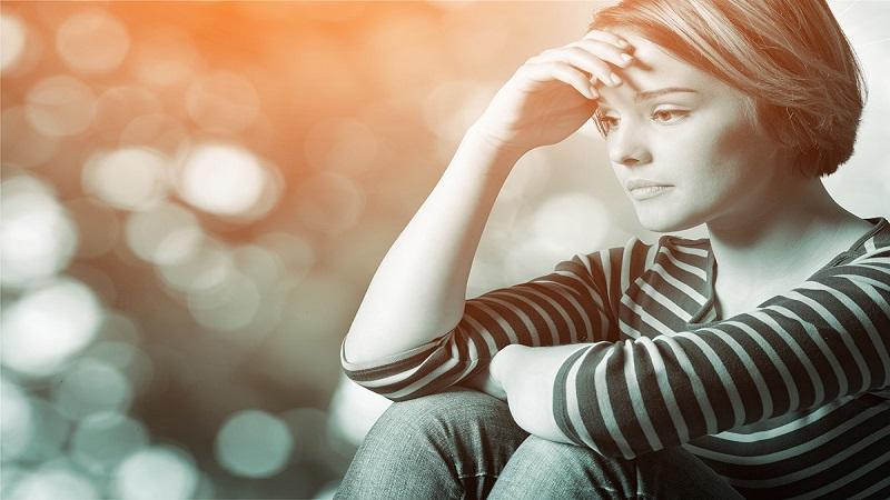 چه عللی زمینه ساز اختلال افسردگی هستند ؟